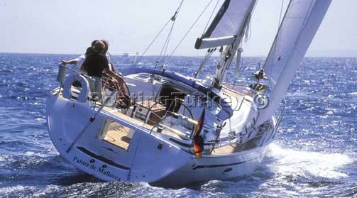 BT-G305 Sailing Boats Bodrum | Bavaria 42 Cruiser For Hire Turkey | image 7